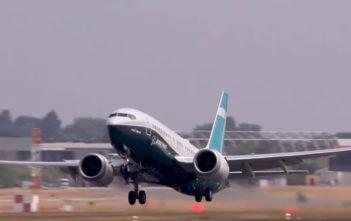 737 MAx8