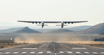 Stratolaunch makes maiden test flight