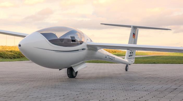 AS-33 glider