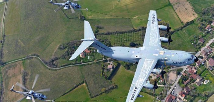 A400M demonstrates helicopter refuelling capability during flight tests